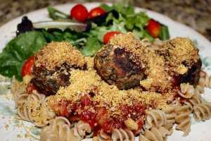 Rotini and Lentil Balls with Salad